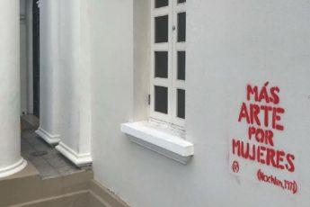 Colectivo Toto deja mensaje más arte por mujeres en paredes del Museo de Arte de Puerto Rico