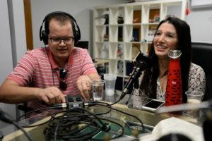 Luis Herrero y Paola Medina Prieto en el podcast Puestas Pal Problema