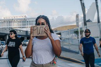 Imagen de protesta por renuncia de Ricardo Rosselló (Mari Blanca Robles)