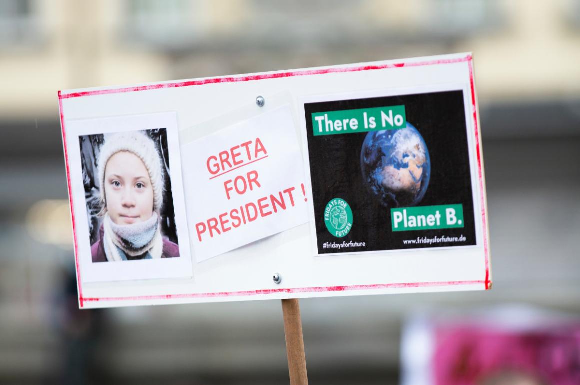 Millones de jóvenes le hacen eco a la voz de una adolescente en Suecia
