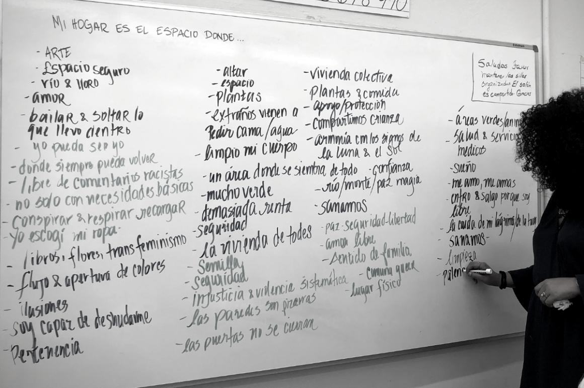 Diálogo Adolfina Villanueva sobre la vivienda digna (Alejandra Lara Infante)