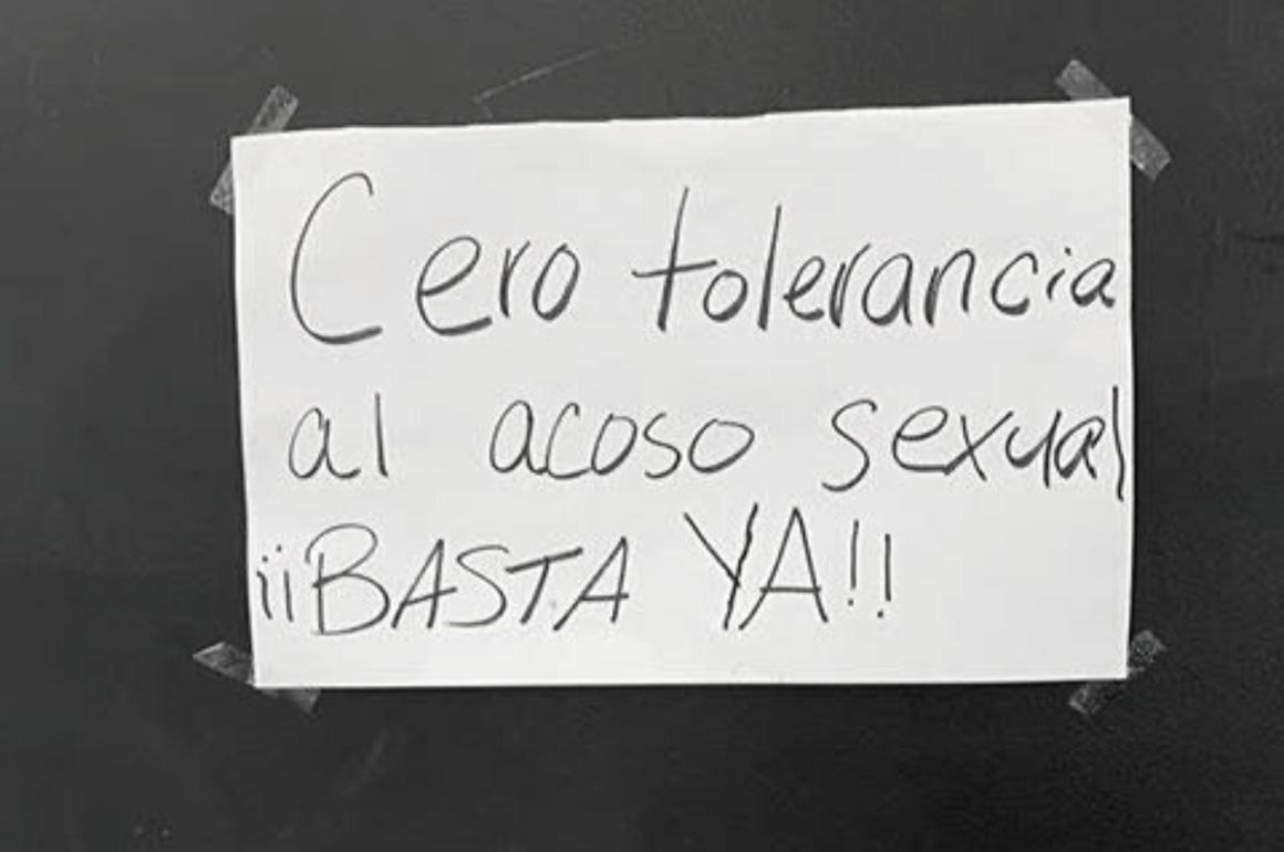 Cartel de denuncia acoso sexual UPR Humacao