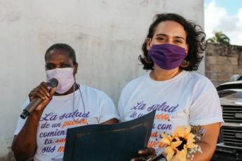 Judith Edwards y Lourdes Inoa Monegro, de Taller Salud.